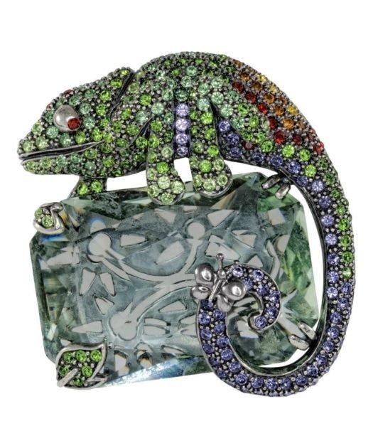 Broche Camaleón Verde de plata y cristales de Swarovski en diversos tonos de la colección exclusiva de Máximo Betro. Joyería Turón, tienda online.
