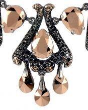 Collar Fuego con Swarovski Elements dorados y negros de plata rodinada de la colección exclusiva de Máximo Betro.