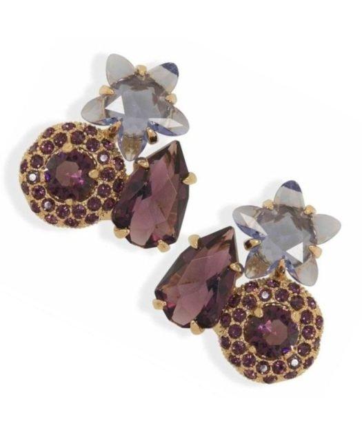 Pendientes cortos morados y violetas con una estrella de plata bañada en oro